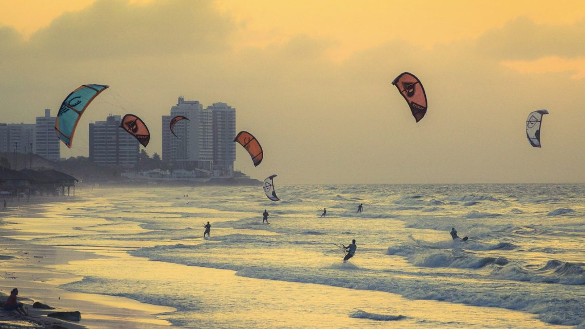 Les meilleures destinations pour le kitesurf au Brésil