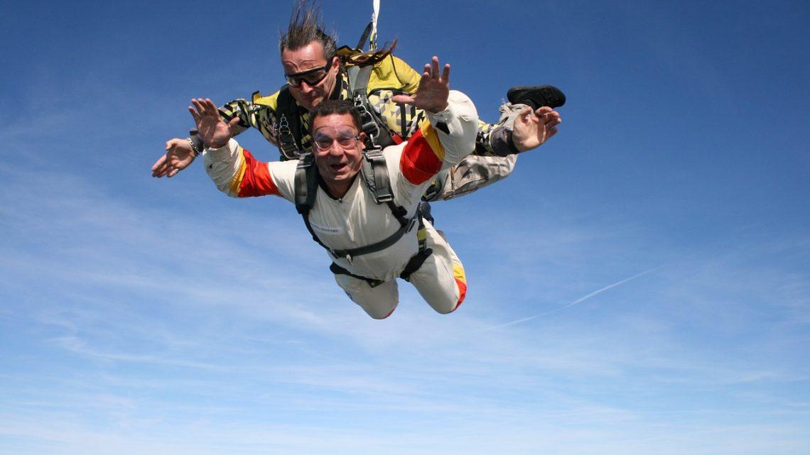 Peut-on être trop vieux pour sauter en parachute ?