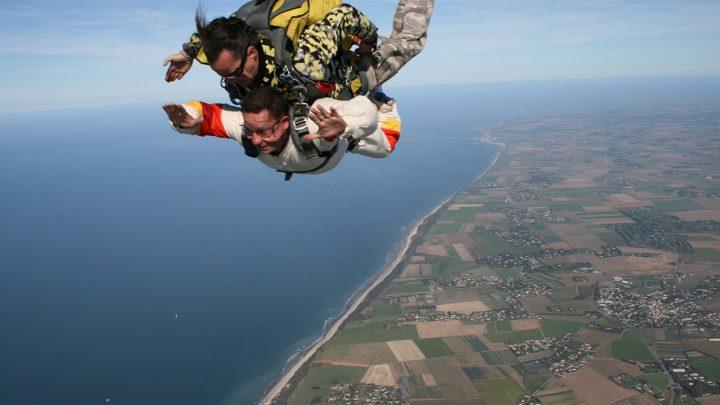 Comment établir un budget pour votre premier saut en parachute ?